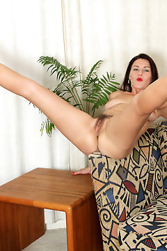 Anilos - Looking For Pussy Featuring Betsy Long. (photos)