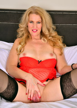 Lacy F Red Ravishing